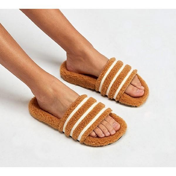 Stilvoll Adidas Adilette Fur Damen Bräune Sandale...