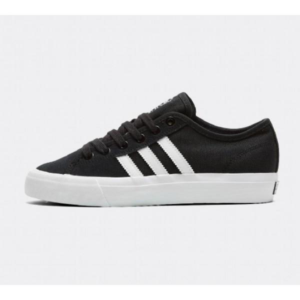 Neue Adidas Matchcourt RX Damen Schwarz Skate Schuhe Online